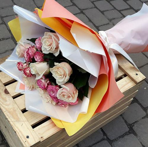 Букет Кремова троянда і спрей