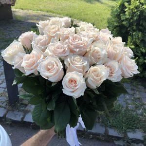 букет 51 кремова троянда