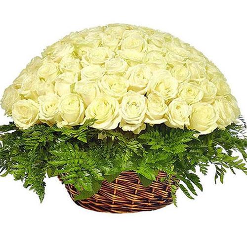 Кошик 101 біла троянда фото букета