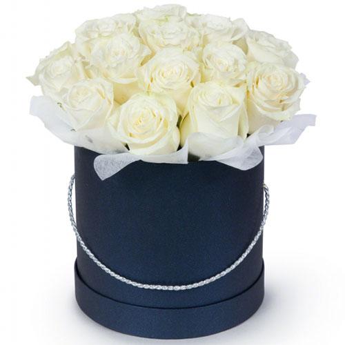 картинка 21 біла троянда у капелюшній коробці