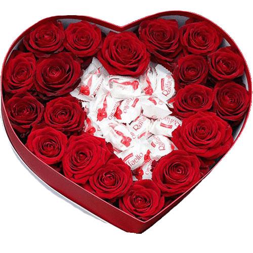 """Коробочка """"Сладкая любовь"""" розы и раффаэлло"""
