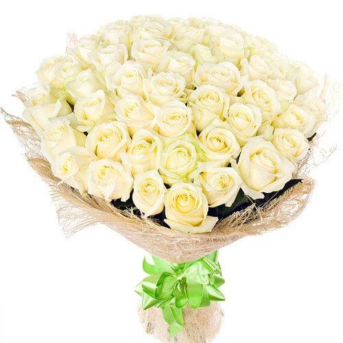 фото букета 51 біла троянда