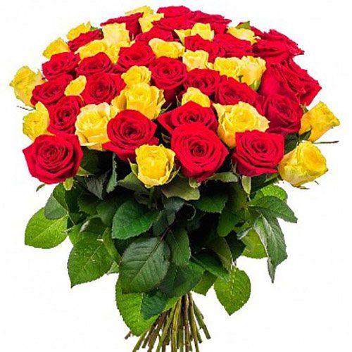 букет 51 троянда: червона і жовта