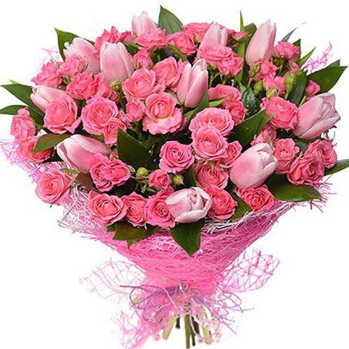 """Букет """"Чары"""" тюльпаны и кустовая роза"""