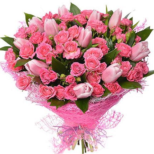 """Букет """"Чари"""" рожеві тюльпани та кущовка"""